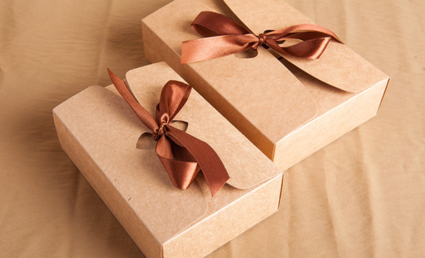 brown kraft cheap gift boxes wit ribbon closure