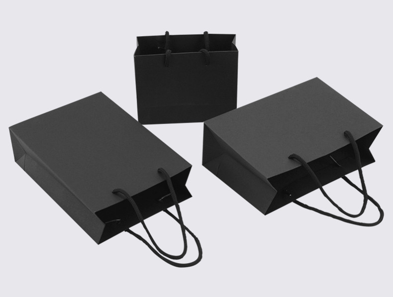 Various sizes black Kraft paper bags