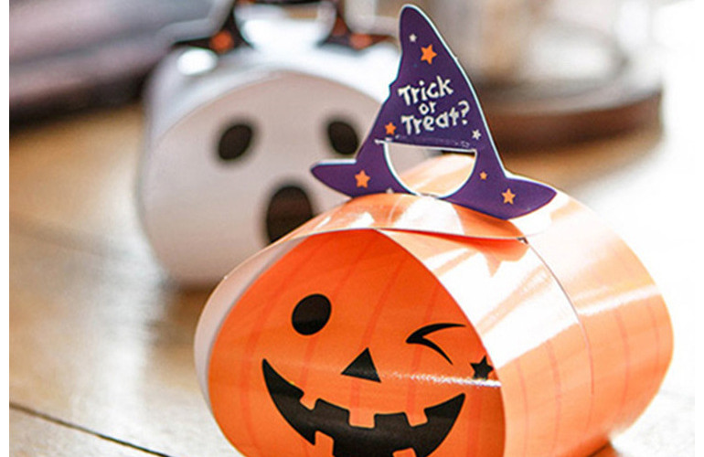 Ghost shape Halloween treat boxes