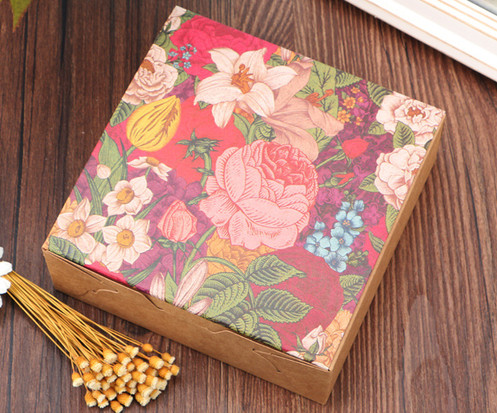 Small Size Color flower printed Kraft cake packaging boxes wholesale