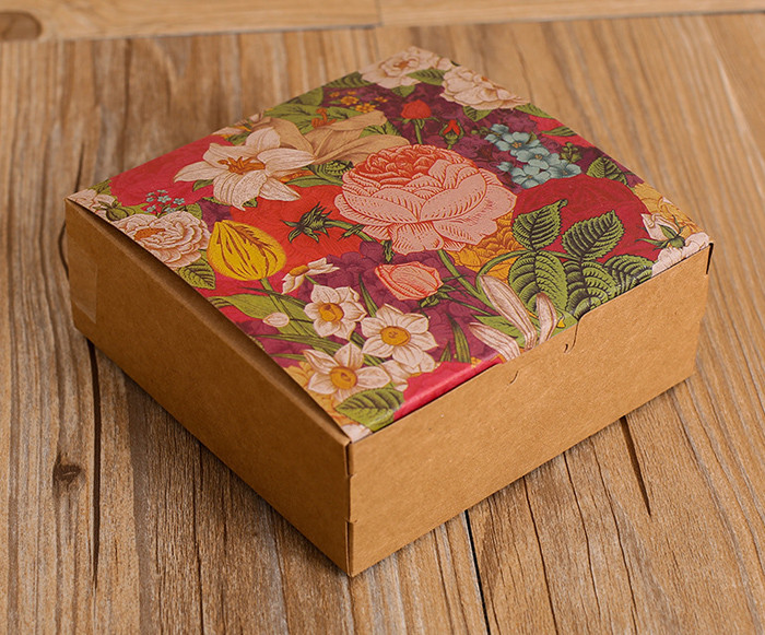 Small Size Color flower printed Kraft paper gift boxes for cakes