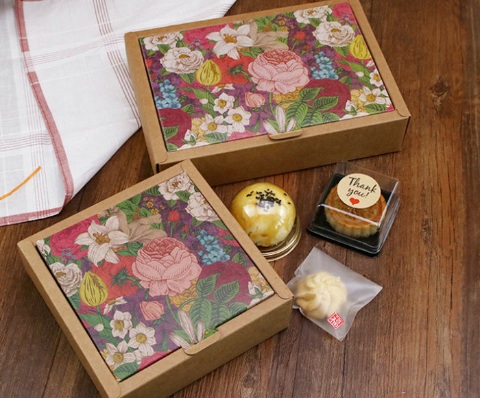 Pretty flower artwork printed Kraft paper gift boxes for candy cookies