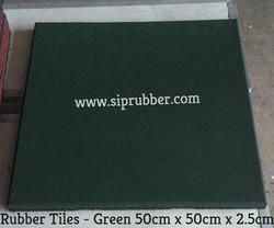 Rubber Tile Green - 2.5cm x 50cm x 50cm.