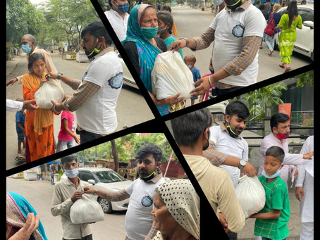 Grocery Aid was provided to daily wage labours in Noida Sector-17 slum