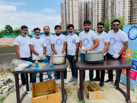 Free Meal Camp in the slums near to sector-74 Noida (India)