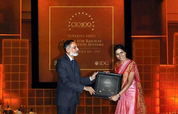 The Ingenious 100: Surekha Sahu, Chief Manager-Elect, Center for Railway Information Systems (CRIS) receives the CIO100 Award for 2009