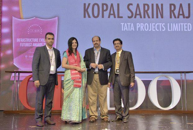 Infrastructure Evolution Futurist: Kopal Sarin Raj, Head IT of Tata Projects receives the CIO100 Special Award for 2013 from Sharad Sanghi, MD and CEO, Netmagic and Sunil Gupta, COO, Netmagic