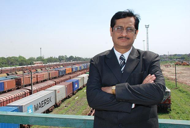 The Bold 100: Deepak Ganju, GM-III/CRIS/CMS, Center for Railway Information Systems receives the CIO100 Award for 2008