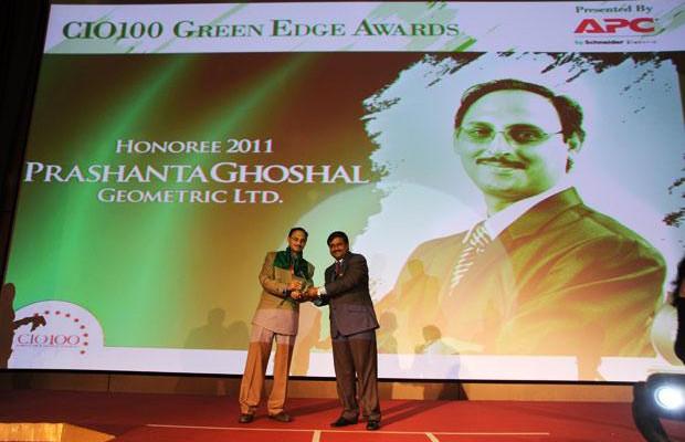 Green Edge: Prashanta Ghoshal, Director ITES of Geometric receives the CIO100 Special Award for 2011 from Shrinivas Chebbi, Country GM and VP, APC by Schneider Electric