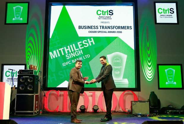 Business Transformer: Mithilesh Singh, Director & Head Technology Audit of IDFC Bank receives the CIO100 Special Award for 2016 from Sridhar Pinnapureddy, Chairman and MD, CtrlS