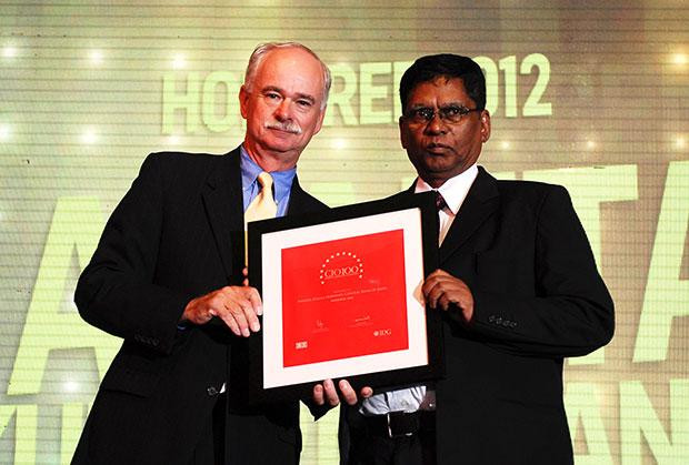 The Resilient 100: A K Mohanty, Head IT of Central Bank Of India receives the CIO100 Award for 2013