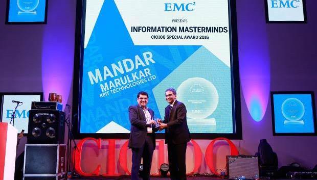 Information Mastermind: Mandar Marulkar, CIO, KPIT Technologies receives the CIO100 Special Award for 2016 from Anil Zachariah, Senior Director, Customer Services of EMC