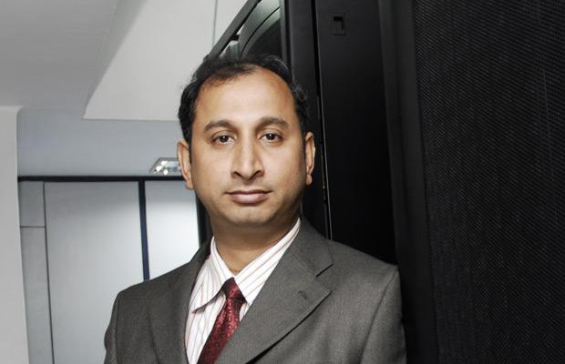 The Innovative 100: Mrinal Chakraborty, GM - IT & Services, DTDC Courier & Cargo receives the CIO100 Award for 2007