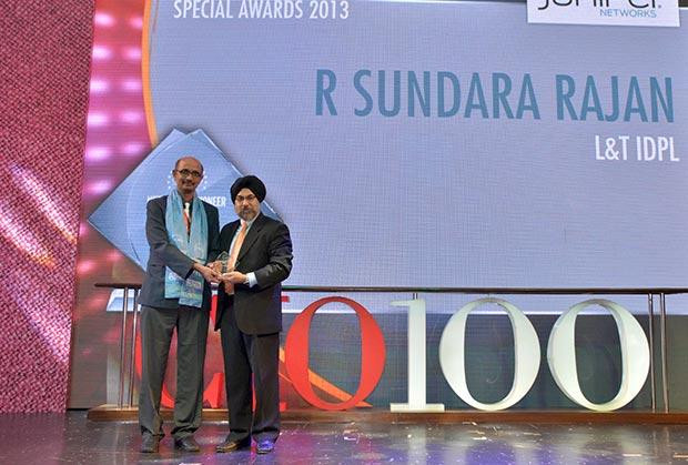 Networking Pioneer: Sundara Rajan, Head IS, L&T Infrastructure Development Projects receives the CIO100 Special Award for 2013 from Ravi Chauhan, MD, India and SAARC, Juniper Networks