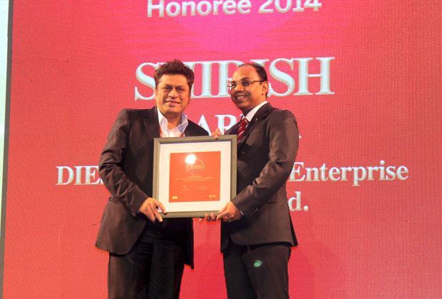 Efficient Enterprise: Shirish Gariba, CIO, Drive India Enterprise Solutions receives the CIO100 Special Award for 2013 from S Sridhar, Director-Enterprise Business Solutions, Dell India
