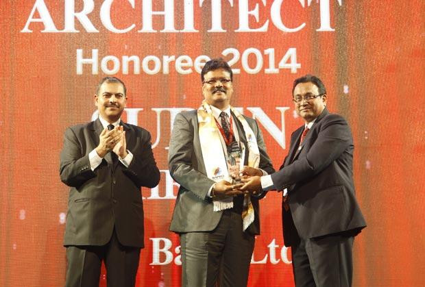 Innovation Architect: Surendra Shetty, Sr. President & CIO of Yes Bank receives the CIO100 Special Award for 2014 , constituted in association with Wipro