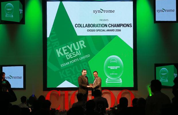 Collaboration Champion: Keyur Desai, Head-IT and VP at Essar Ports and Shipping receives the CIO100 Special Award for 2016 from Yogesh Purohit, Director-Sales, Syndrome