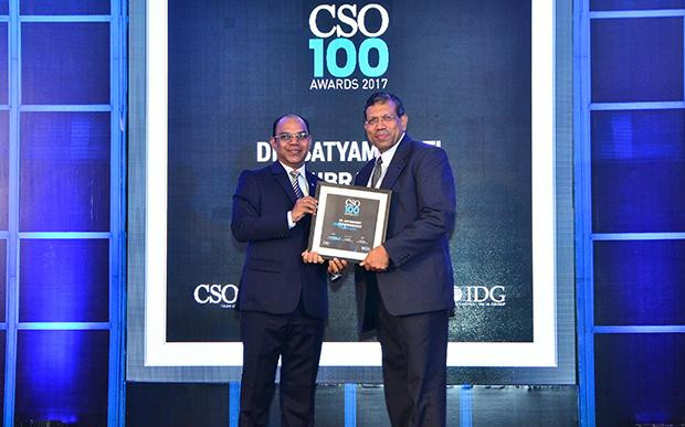 Satyamoorthi Sivasubramanian, Global Chief of Security, Bharti Airtel receives the CSO100 Award for 2017.