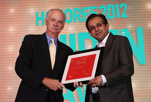 The Resilient 100: Dhiren Savla, CIO of VFS Global receives the CIO100 Award for 2012