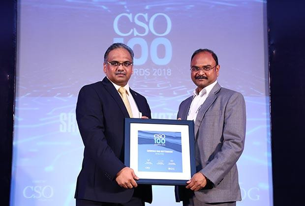Srinivas Rao Kottamasu, Sr. Vice President - Global Delivery Head, Infrastructure Management Services at Mindtree receives the CSO100 Award for 2018