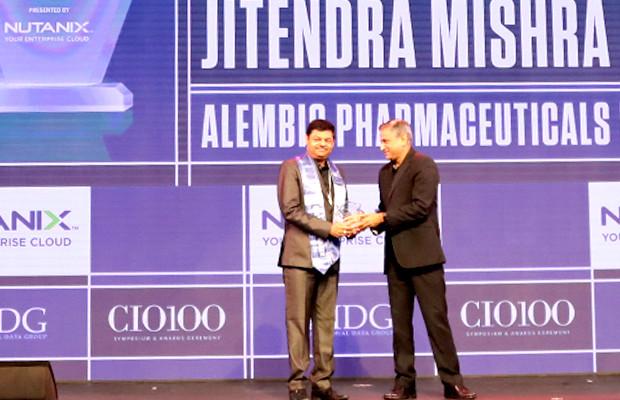 HCI Trailblazer: Jitendra Mishra, VP-Chief Information Officer (CIO), Alembic Pharmaceuticals receives the CIO100 Special Award for 2019 from Anantharaman Balakrishnan, President & CEO, Nutanix India