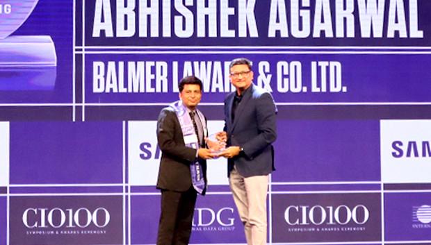 Mobility Maven: Abhishek Agarwal, SVP & CIO, Balmer Lawrie & Co receives the CIO100 Special Award for 2019 from Sukesh Jain, Senior VP, Samsung Electronics