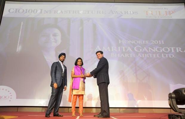 Infrastructure Evolution Futurist: Amrita Gangotra,Director-IT, Bharati Airtel receives the CIO100 Special Award for 2011 from Sanjay Jain, CEO, Tulip Telecom