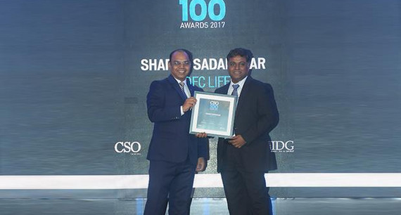 Sharad Sadadekar, CISO, HDFC Life Insurance receives the CSO100 Award for 2017.