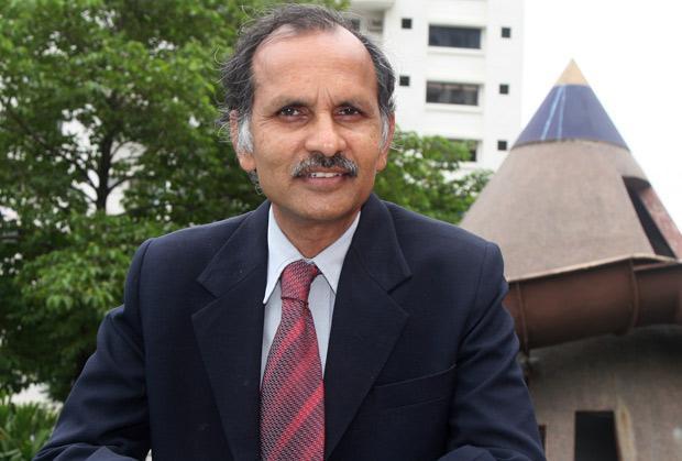 The Innovative 100: B Satyanarayan, CIO & VP, Dimexon Diamonds receives the CIO100 Award for 2007