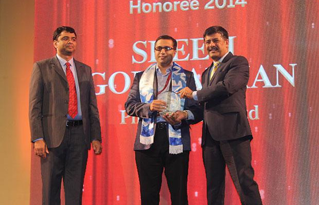 Information Mastermind: Sreeji Gopinathan, Regional IS Director of RB India receives the CIO100 Special Award for 2014 from Rajesh Janey, President-India and SAARC, EMC