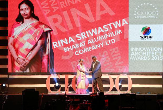 Innovation Architect: Rina Sriwastwa, Head- IT of Bharat Aluminium receives the CIO100 Special Award for 2015 from Achuthan Nair, Senior VP and COO, Wipro Infotech