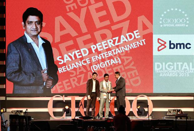 Digital Transformation Czar: Sayed Peerzade, VP-Technology of Reliance Big Entertainment receives the CIO100 Special Award for 2015 from Suhas Kelkar, VP and CTO-APAC, BMC Software