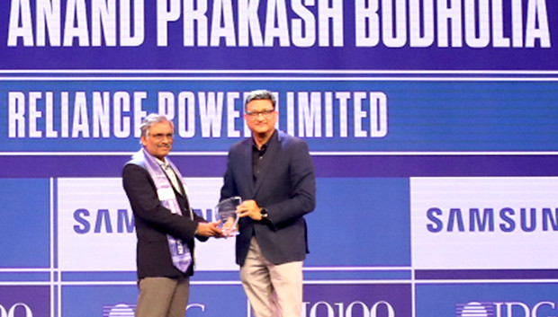 Mobility Maven: Anand Budholia, Senior VP and CIO, Reliance Power receives the CIO100 Special Award for 2019 from Sukesh Jain, Senior VP, Samsung Electronics