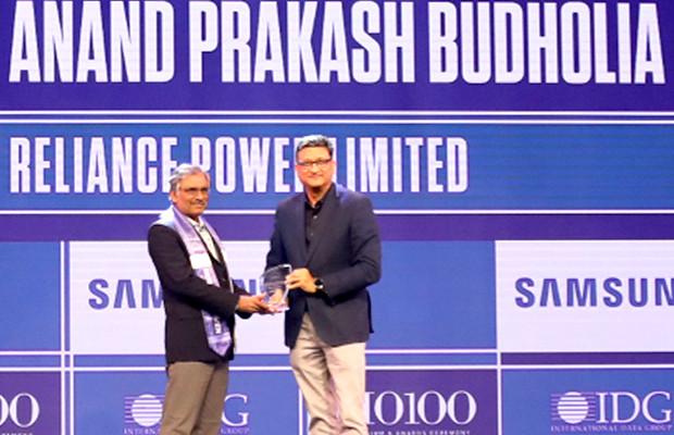 Mobility Maven: Anand Budholia, Senior VP and CIO, Reliance Power receives the CIO100 Special Award for 2019 from Sukesh Jain, Senior VP, Samsung Electronics
