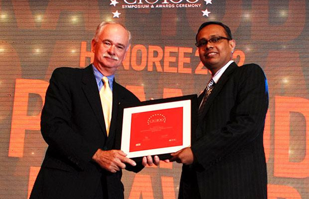 The Resilient 100: Pramod Pawar, Head IT of L&T General Insurance Company receives the CIO100 Award for 2012
