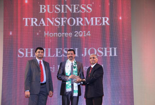 Business Transformer: Shailesh joshi, VP Head-IT, Godrej Industries receives the CIO100 Special Award for 2014 from , constituted in association with CtrlS