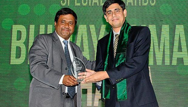 The Resilient 100: Bhujay Kumar Bhatta, Operations Head-IT, ITC receives the CIO100 Award for 2012