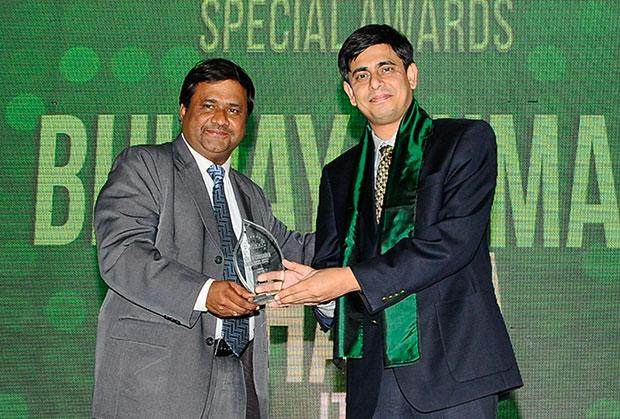 The Resilient 100: Bhujay Kumar Bhatta, Operations Head-IT, ITC receives the CIO100 Award for 2012