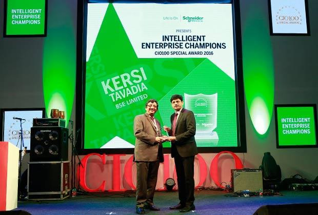 Intelligent Enterprise Champion: Kersi Tavadia, CIO, Bombay Stock Exchange (BSE) receives the CIO100 Special Award for 2016 from Nikhil Pathak, VP and Country GM-IT Business, India and SAARC, Schneider Electric