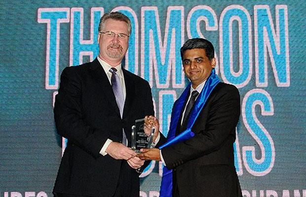 Security Supremo: Thomson Thomas, CIO of HDFC Life Insurance Co receives the CIO100 Special Award for 2012 from John McCormack, CEO, Websense