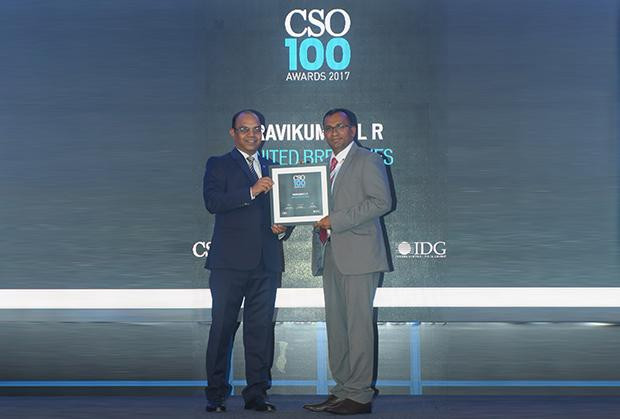 Ravikumar LR, Senior Manager- Policy and Governance at United Breweries receives the CSO100 Award for 2017