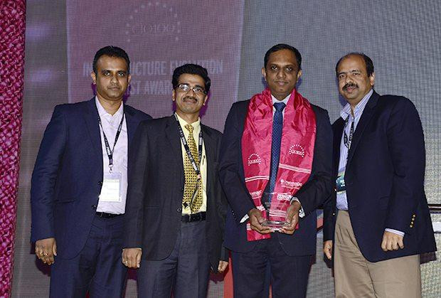 Infrastructure Evolution Futurist: Harnath Babu, CIO of Aviva Life Insurance Company receives the CIO100 Special Award for 2013 from Sharad Sanghi, MD and CEO, Netmagic and Sunil Gupta, COO, Netmagic
