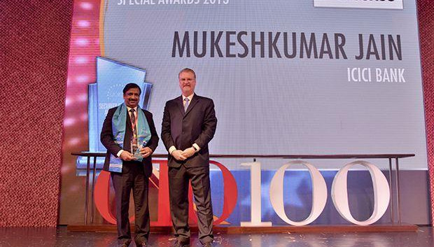 Security Supremo: Mukesh Kumar Jain, CTO of ICICI Bank receives the CIO100 Special Award for 2013 from John McCormack, CEO, Websense