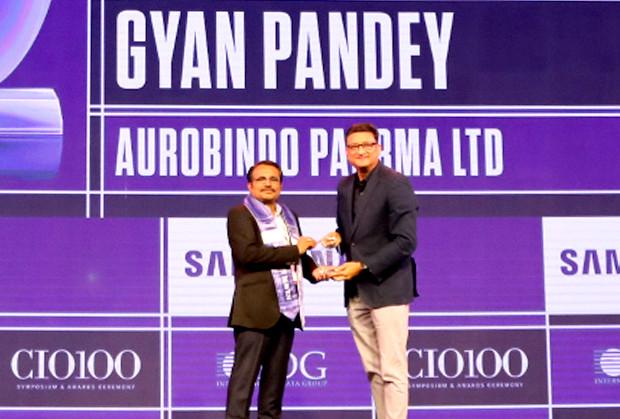 Mobility Maven: Gyan Pandey, CIO, Aurobindo Pharma receives the CIO100 Special Award for 2019 from Sukesh Jain, Senior VP, Samsung Electronics