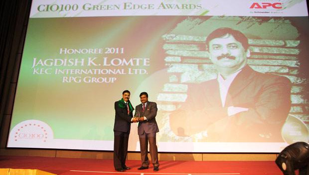 Green Edge: Jagdish Lomte, Head-IT at KEC International-RPG Group receives the CIO100 Special Award for 2011 from Shrinivas Chebbi, Country GM and VP, APC by Schneider Electric