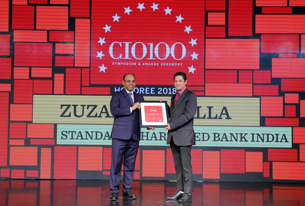 The Digital Architect: Sandeep Gupta, on behalf of Zuzar Tinwalla, CIO at Standard Chartered Bank India receives the CIO100 award for 2018