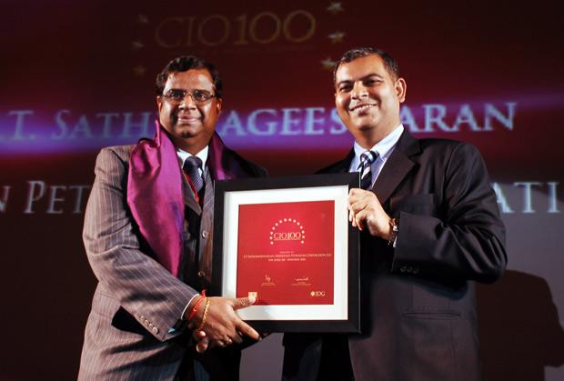 The Agile 100: S T Sathiavageeswaran, Executive director - IS of Hindustan Petroleum receives the CIO100 Award for 2010