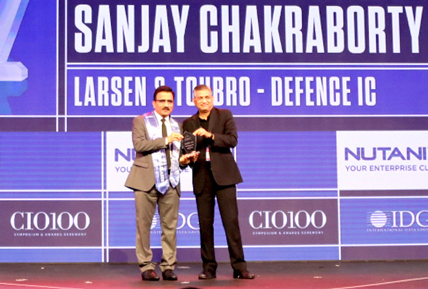 HCI Trailblazer: M Venkateshwarlu, Joint General Manager - Corporate IT, Larsen & Toubro receives the CIO100 Special Award for 2019 from Anantharaman Balakrishnan, President & CEO, Nutanix India on behalf of Sanjay Chakraborty, General Manager - Corporate Centre IT & Digital, L&T Defence