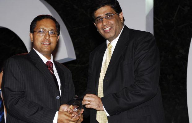 Smart Infrastructure: Jai Menon, Director - IT Innovations, Bharti Airtel receives the CIO100 Special Award for 2007, constituted in association with AMD