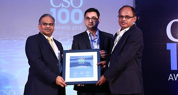 Dharmendra Kumar, Chief Information Security Officer (on right) at Tata Power Delhi Distribution receives the CSO100 Award for 2018